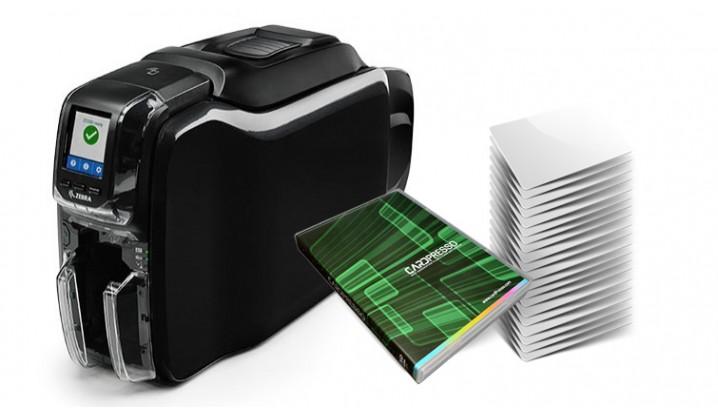 Stampante Zebra Serie ZC300 + Cardpresso + 500 tessere bianche